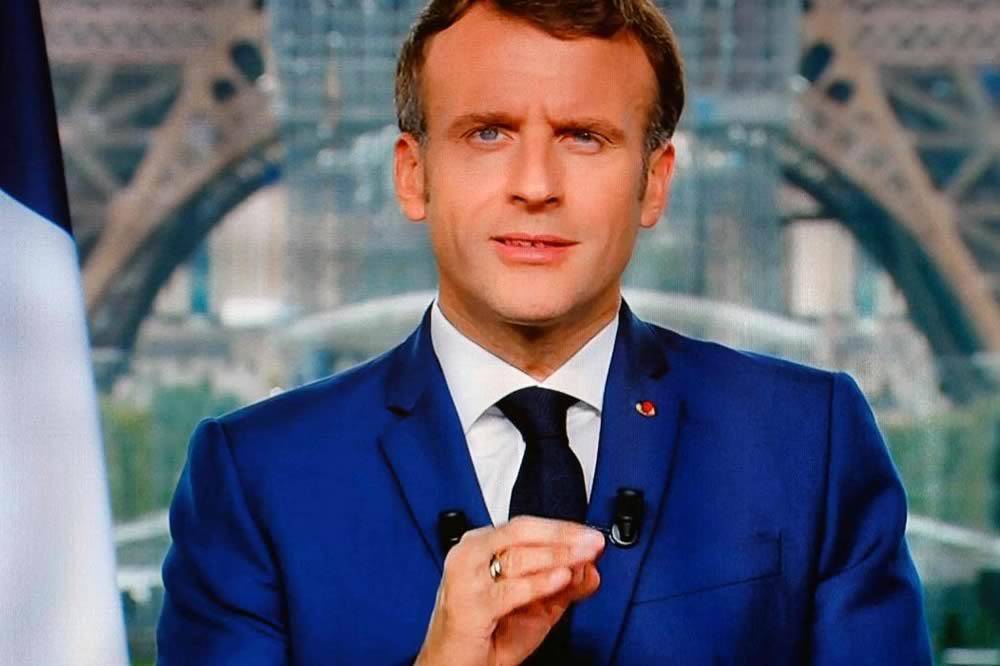 Greenpass in Francia: esplodono le proteste contro Macron